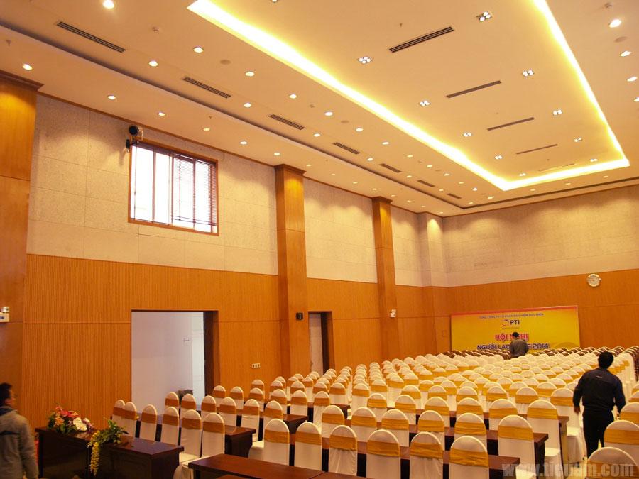 Trang âm hội trường khách sạn Công Đoàn